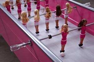 Barbie kickt im KaDeWe. Quelle: Mattel
