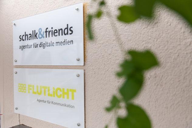 Flutlicht Kommunikationsspezialisten Partner Schalk friends Netzwerk Schilder