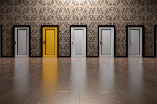 überzeugende Karriereseite Türen Flutlicht Zimmer