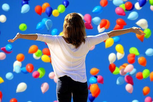 Arbeitgeber-Awards Mitarbeiterzufriedenheit Glück Luftballons