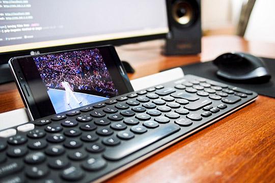 Bewegtbild Content Im Employer Branding Owens Alvaro Tastatur Schreibtisch Arbeitsplatz