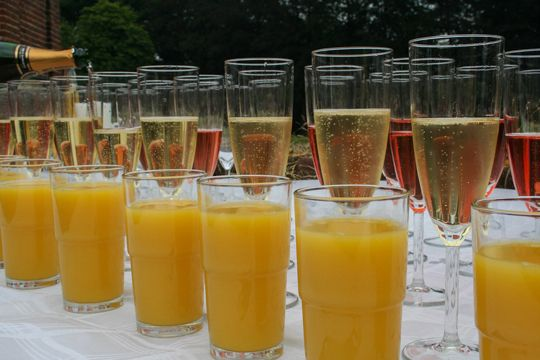 Flutlicht Checkliste Messe Kommunikation Gläser Getränke Sekt Orangensaft Bewirtung Catering