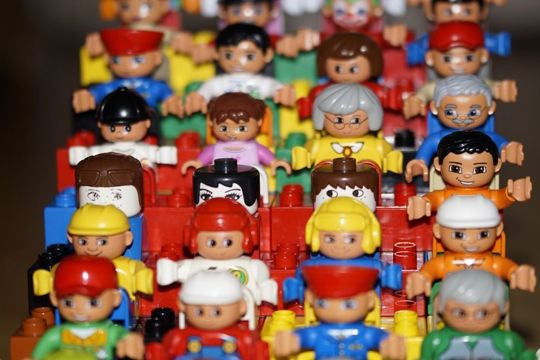 Checkliste Organisation Pressekonferenz Playmobil Männchen Gäste