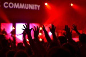 Community Management Begeisterung Hände Konzert Gemeinschaft Fans