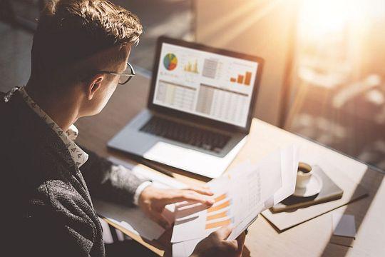 Flutlicht Tipps Einstieg Analyst Relations Analystenarbeit