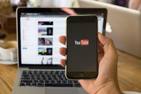 Flutlicht Youtube Marketing Tipps Mobile