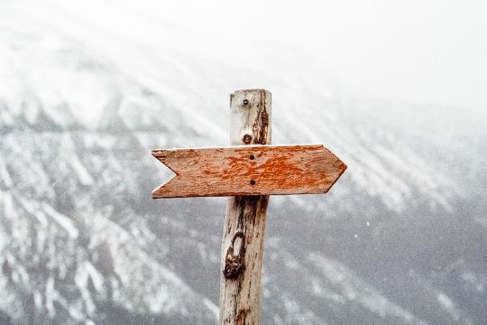 Wegweiser Berge Hinweistafel Richtungsweiser