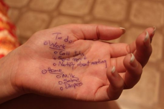 Flutlicht Messe Kommunikation Aufgaben Hand Merkzettel Notizen