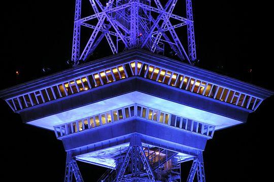 Flutlicht Messe Kommunikation IFA Fernsehturm Messeturm Berlin