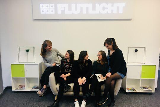 PR-Einstieg Flutlicht Traineeship Agentur Sofa Team