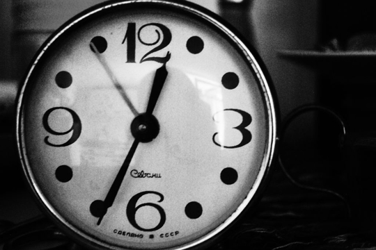 PR-Themen finden Timing Uhr Wecker