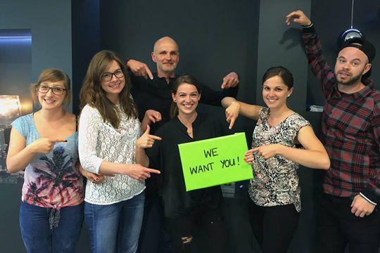PR Trainee gesucht Flutlicht Jobs Traineeship Team