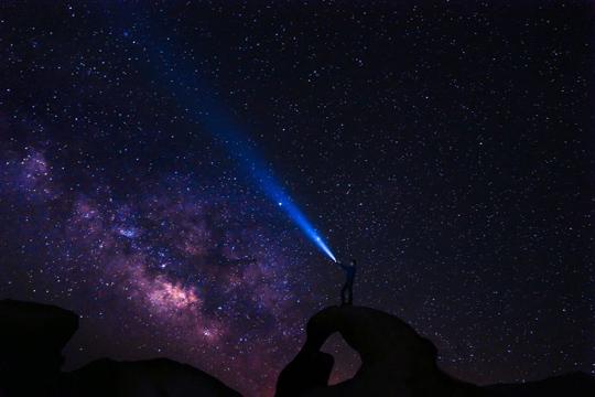 SEO-Tipps Lichtstrahl Himmel Nachthimmel