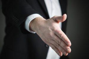 Vertriebs-PR Handshake