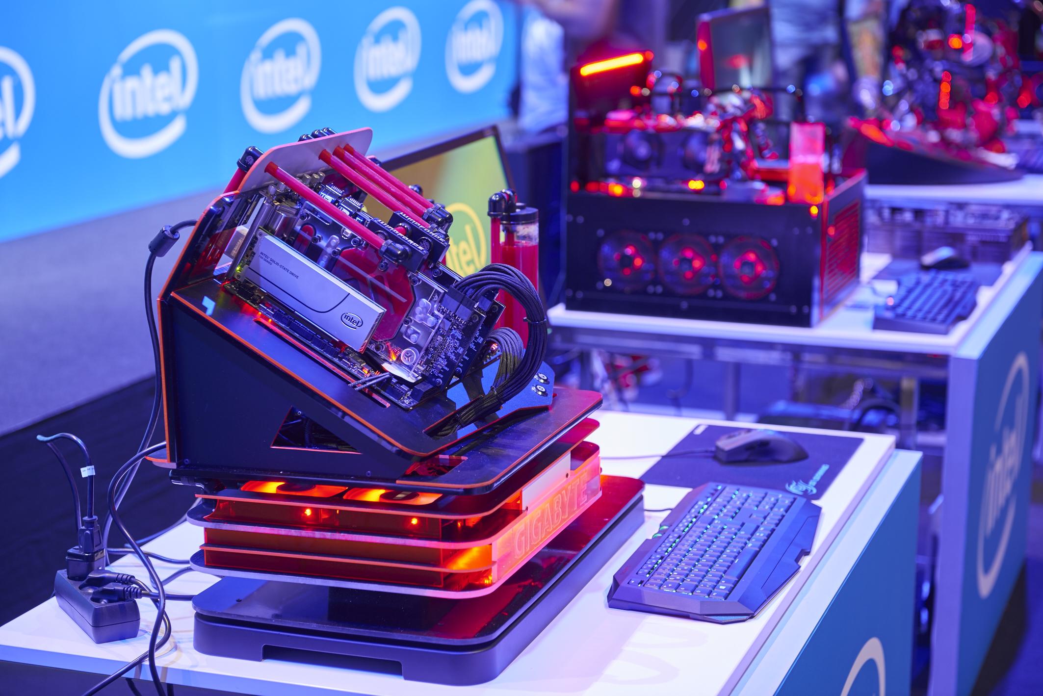 Intel Gamescom 2015_JPEG_18x12cm_PK_01