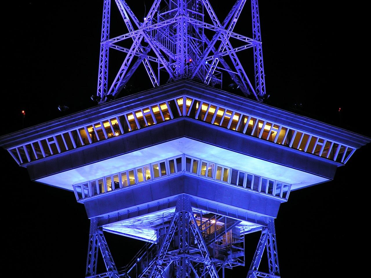 radio-tower-490032_1280