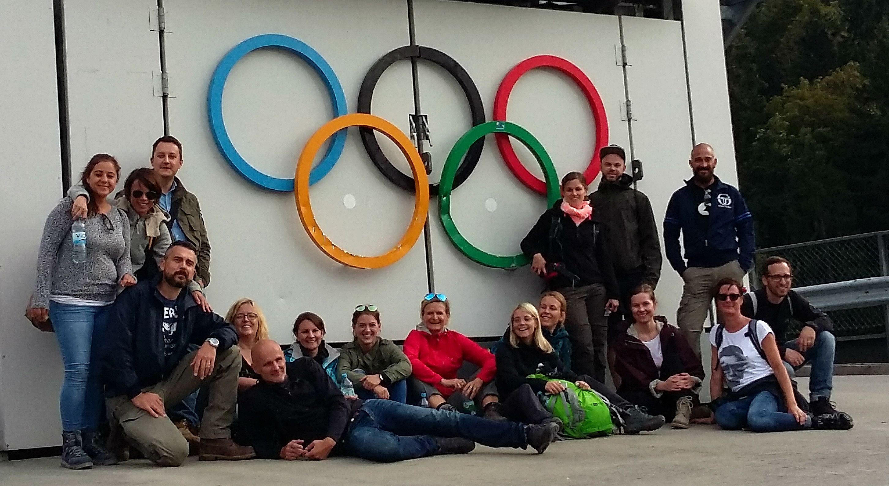 Teambuilding Flutlicht: Auf der Olympia Schanze in Garmisch-Partenkirchen
