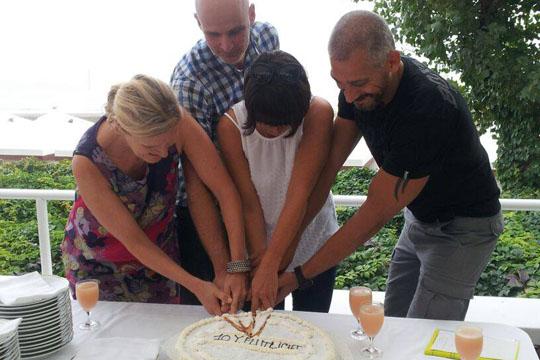 Firmenjubiläum, Kuchen anschneiden