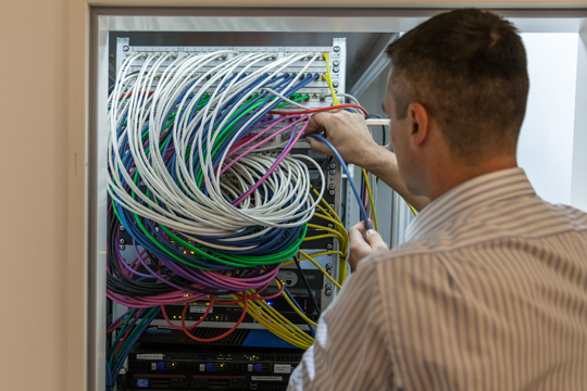 PR-Themen finden Admin-Day Verkabelung Server