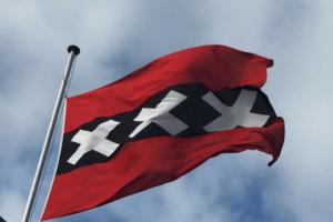Flutlicht Team Amsterdam Flagge Himmel Wolken