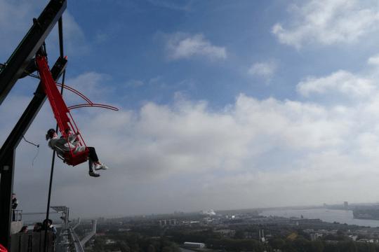 Flutlicht Team Amsterdam Schaukel Himmel Wolken Adventure