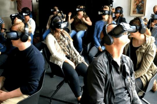 Flutlicht Team Amsterdam Virtual Reality Kino VR Kinobesucher