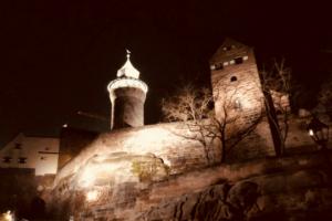 Volo Austausch Burg Kaiserburg Nürnberg Nacht Beleuchtung Turm