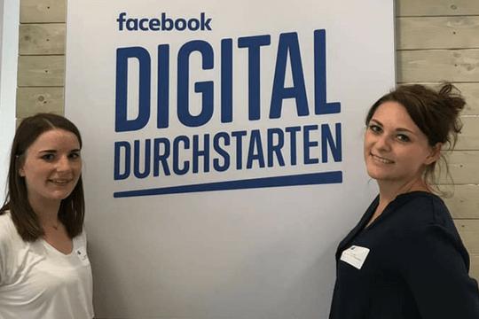 Digital durchstarten, Facebook, Flutlicht