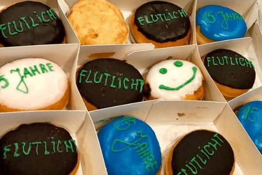 15 Jahre Flutlicht, Donuts