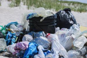 Nachhaltigkeit bei Flutlicht, Employer Branding, Plastikmüll