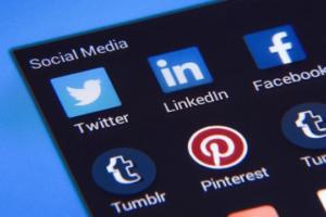 LinkedIn Stories, Mobile App